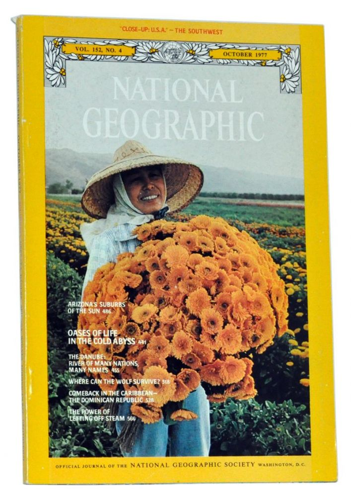 """The National Geographic Magazine, Volume 152 (CLII), No. 4 (October 1977). Includes """"Close-Up: U.S.A."""" map of the Southwest (Arizona, New Mexico, Utah, Colorado). Gilbert Hovey National Geographic Society. Grosvenor, Mike Edwards, Winfield Parks, David Jeffery, H. Edward Kim, L. David Mech, James Cerruti, Martin Rogers, Kenneth F. Weaver."""